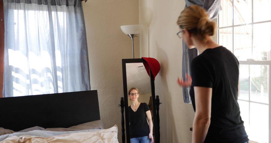 Still shot of the Mirror episode of Quarter Minutes