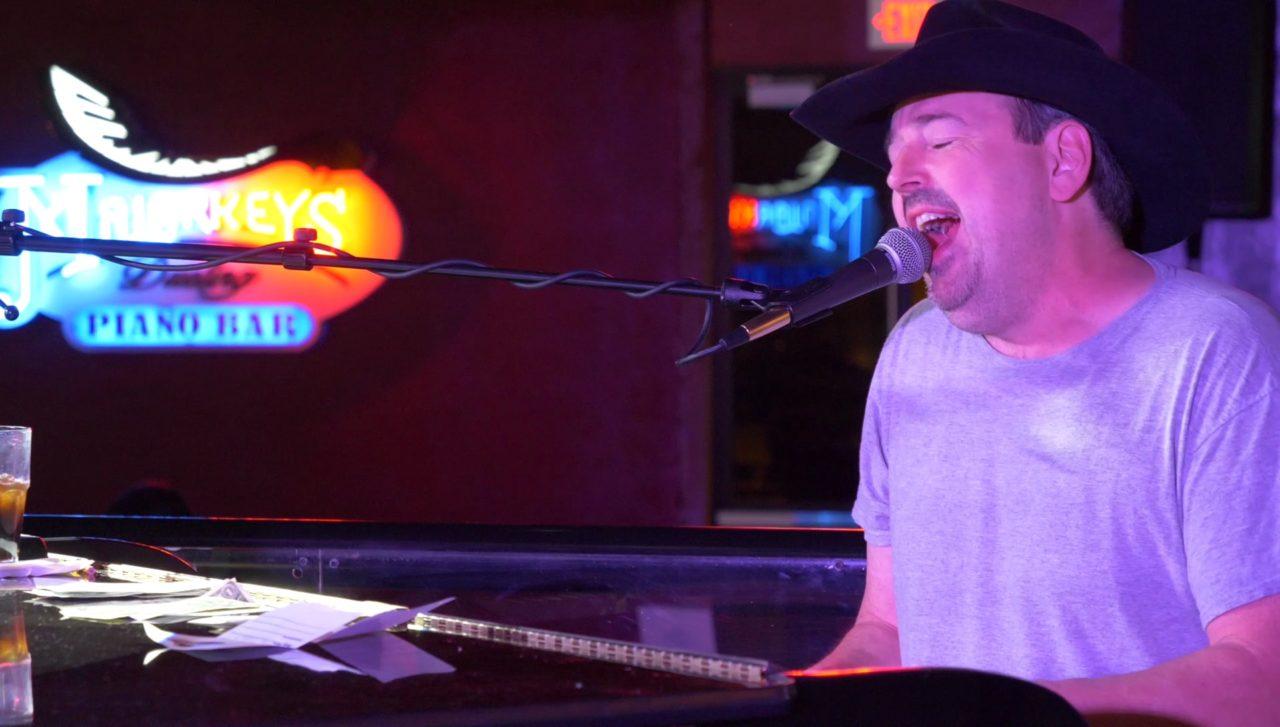 Malarkey's Dueling Piano Bar - Wiz performing