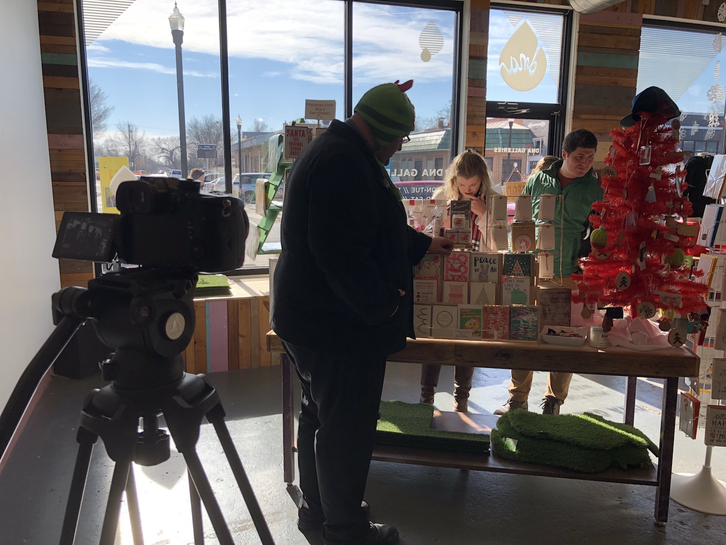 Behind the scenes of Holiday Cards at DNA Galleries - photo by Dennis Spielman